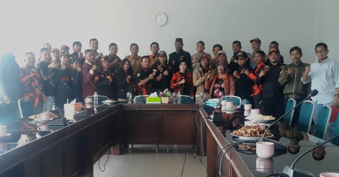 poto deklarasi damai pp dan pkkb 2